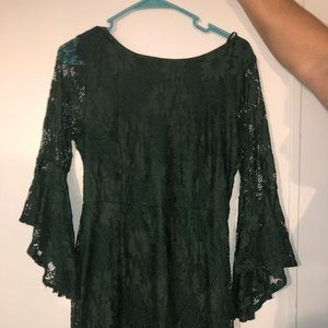 Allure em' in forest green lace flounce sleeve